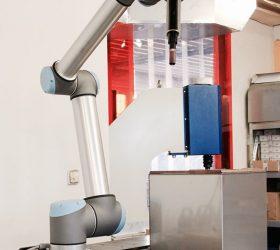 Univerzálny robot
